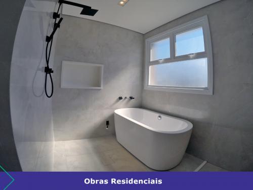 moncruz-engenharia-obras-residenciais-banheiro-2